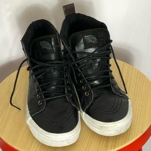 Vans embossed black leather sneakers women's sz 9